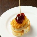 カマンベールチーズのフライ~苺ジャムと~