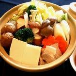 寄せ鍋 ~生姜風味のあっさり鶏うま出汁~