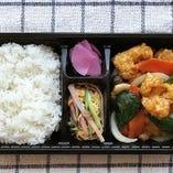えびチリ弁当/えび甘酢煮弁当/細切り牛肉ピーマン(青椒肉絲)弁当