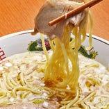"""創業50年以上の神田食堂の味。名物""""きじそば""""は〆の新提案♪"""