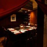 接待やご会食に最適な上品で優雅な個室(2〜6名様×2卓)