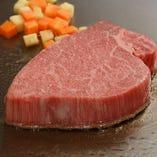 日本3大和牛にも数えられる国産黒毛和牛松阪牛をステーキで堪能