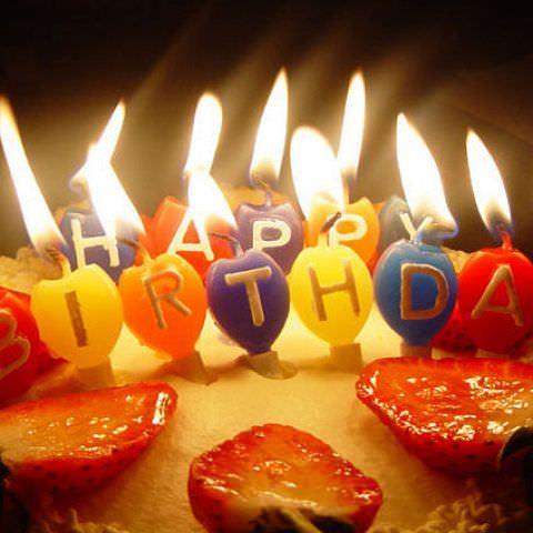 誕生日はケーキプレゼント