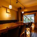 【三百五十年杉の一枚板テーブル使用】木の温もり溢れる贅沢な個室