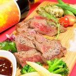 【お肉の盛り合わせ】お肉好きにはもってこいの逸品★1680円