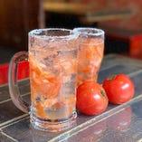 オリジナル生搾りトマトサワー。塩がきいてさっぱりウマイ!