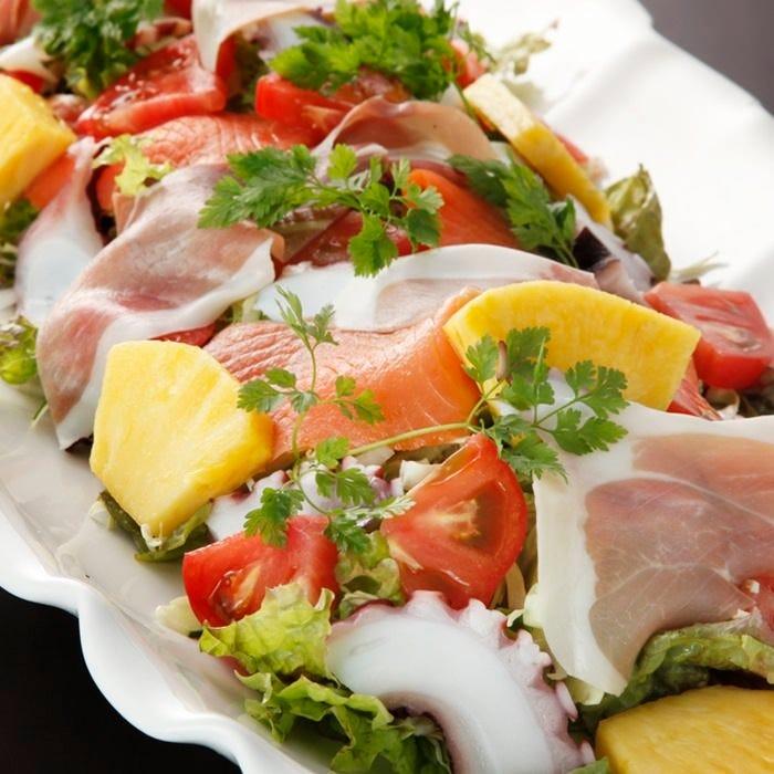 『シェフのおまかせサラダ』 茨城の海の幸をサラダで堪能♪