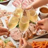 コース料金+500円(税込)でワイン7種が楽しめるプレミアム飲み放題へグレードアップ!