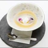 幻想的な水信玄餅にはあまさがちょうどいいほうじ茶シロップ♪