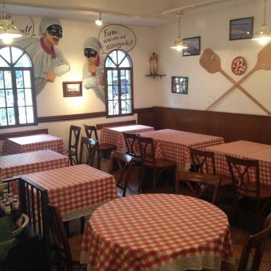 ピッツェリア キアッキェローネ(PIZZERIA CHIACCHIERONE)  店内の画像