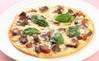 牛肉のデミソースピザ