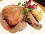 モモ肉のソテー ペヴェラーダソース