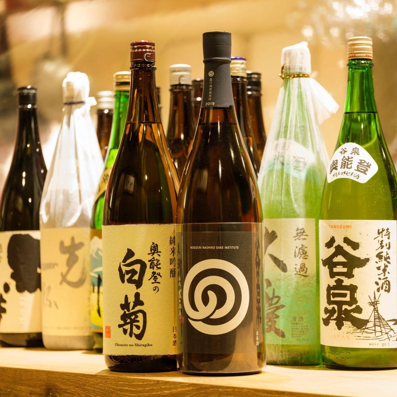 石川県の地酒をセルフで自由に楽しむ