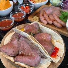 ☆タコス祭り☆肉バルのローストビーフ、生ハム、チーズ、ソーセージと各種野菜のオリジナルタコス食べ放題