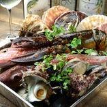 『カキ トキドキ サカナ』をコンセプトに全国の新鮮魚介をお届け