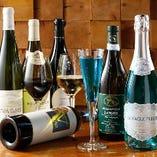 約80種類のワインと フレッシュジュースカクテル!