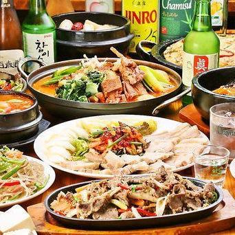 お鍋や自慢の韓国料理を味わえるボリューム満点のコース