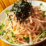 「明太子大根サラダ」はクセになる味が人気の一皿