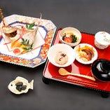 安芸茶寮特製の『お食い初め膳』ございます。