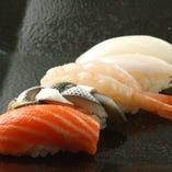にぎり寿司各種(150円税抜)