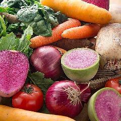 そのときどきに一番美味しい自然栽培の旬野菜を仕入れ顔の見える美味しい野菜をご堪能ください