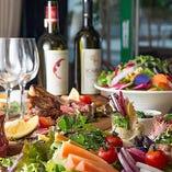体に優しい料理と自然派ワインとのマリアージュが堪能できる