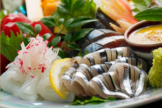 <獲れたて鮮魚など>旬の食材を使用