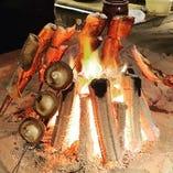 【旬の藁焼き】 時季に応じた旬の魚介を藁で炙ってご提供♪