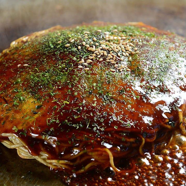 ふんわりキャベツと香り高い焼きそばで作る広島風お好み焼き!
