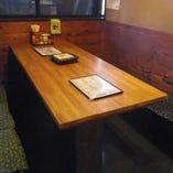 テーブル席(最大8名様)