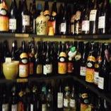 全国から仕入れた種類豊富なアルコール。