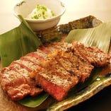国産牛ロースの炭焼きステーキ