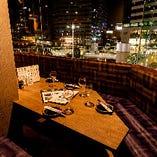 駅チカで夜景も楽しめるのが当店の自慢!ムードある空間で、おいしいお料理とお酒に舌鼓♪