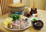 宴会料理は季節により鍋などもご用意しております。