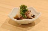 季節に合わせた食材を使った一品料理も多数ございます。