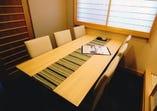 プライベートな空間の個室は2部屋ございます。
