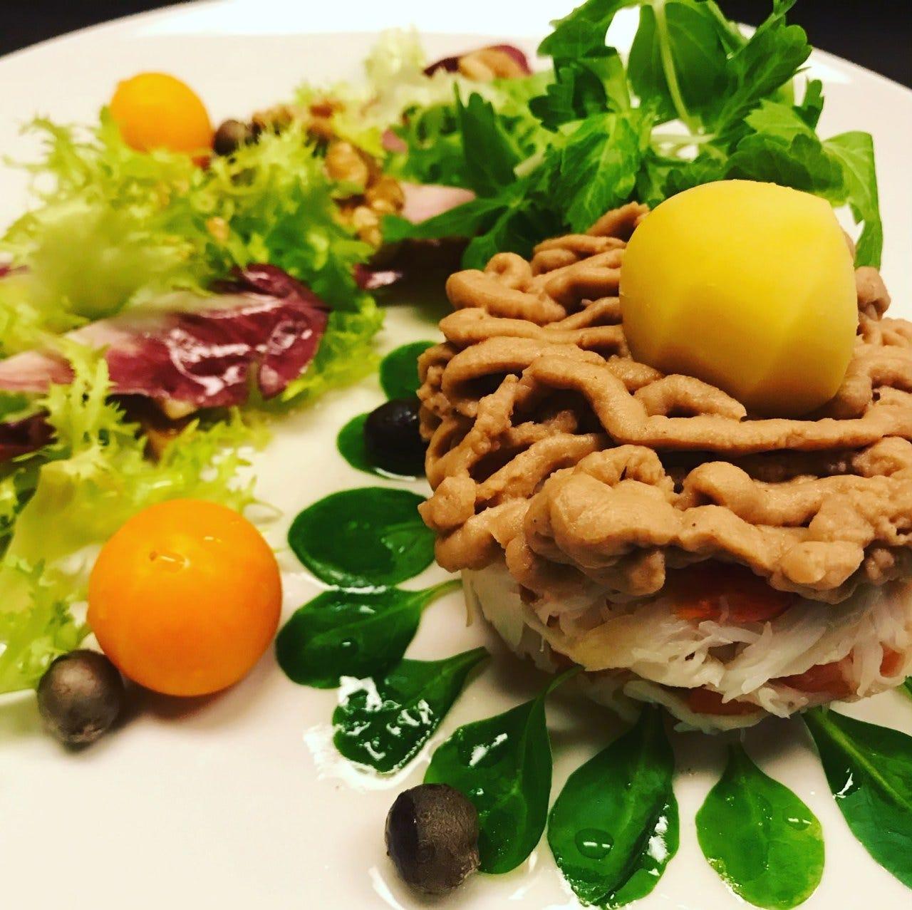 国産の新鮮食材を使用した創作料理