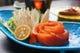 ●鮭のしゃぶしゃぶ 鮭をダシで湯がき、自家製のポン酢で。