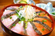 鮭とブリの丼、名付けて「さけ丼ぶり」!豊富な薬味で好みの味に