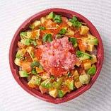 アボカドの海鮮チラシ丼