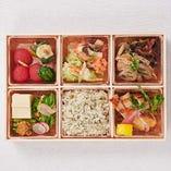 おばん菜と【肉】の御馳走弁当