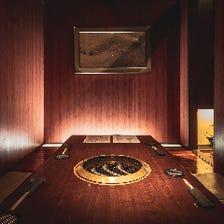 高級感あふれる内装・個室席