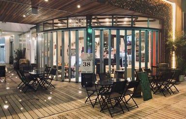 Craftbeer&Filipinofood&Coffee terrace38  店内の画像