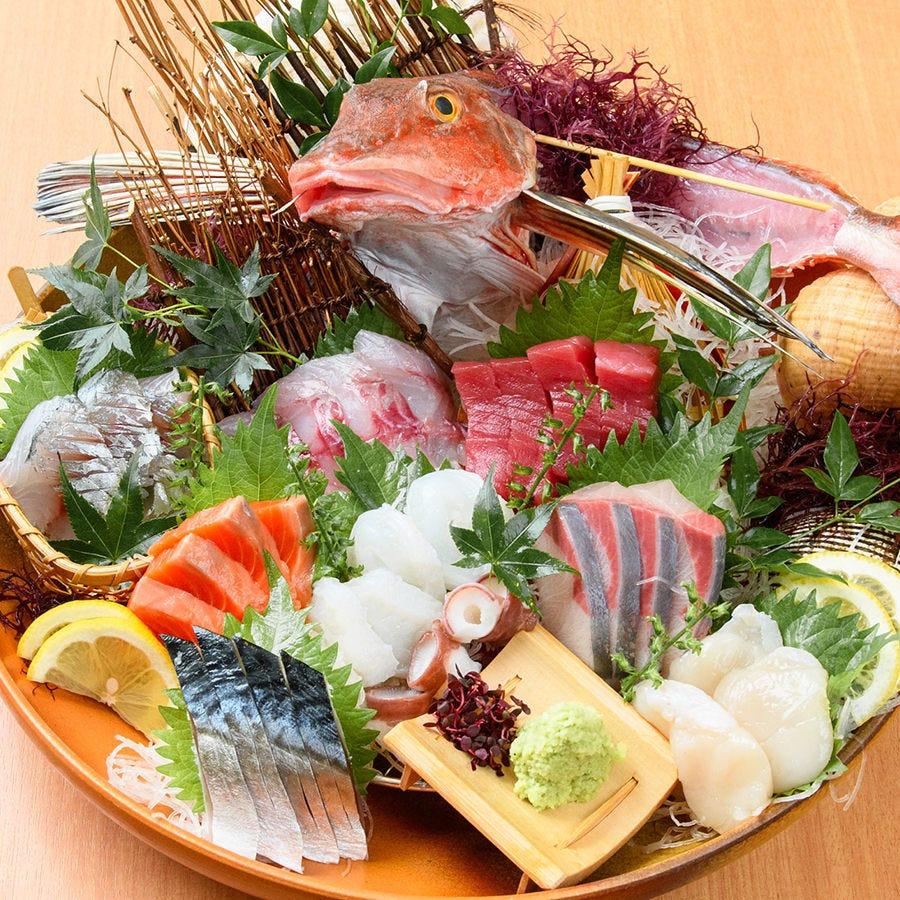 その日に入った新鮮な捕れたて鮮魚をお楽しみいただけます。