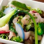 採れた産地直送野菜がいっぱい グリーンサラダ
