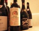 10年以上熟成のフランスワインを中心にルーマニアワインも。
