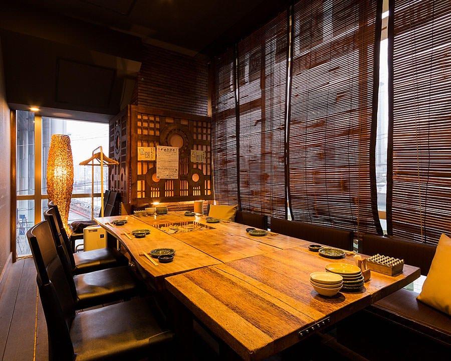 完全個室のテーブル席・6名様~8名様