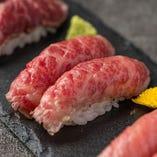 馬刺し寿司(三貫)