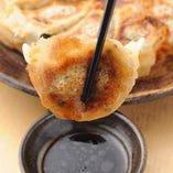 鉄板餃子(六個入り)