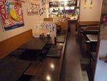 カウンター席4席 掘りごたつ席&テーブル席